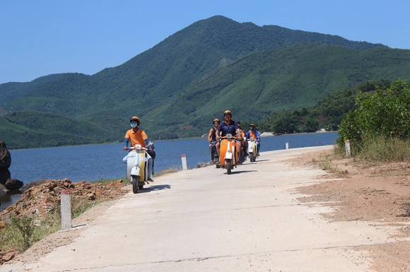 ho chi minh trail luxury tours