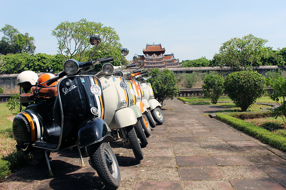 hue package tours