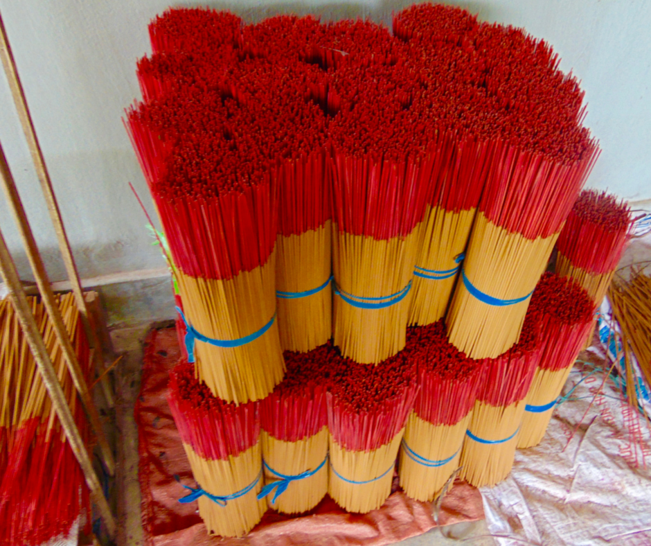 3.Bundles of Incense